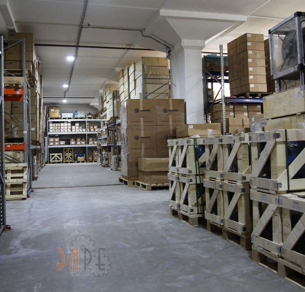 Хранение двигателей в ООО «ЭЛРЕ»